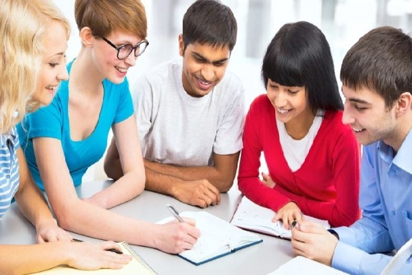 Học nhóm luôn là biện pháp học hiệu quả