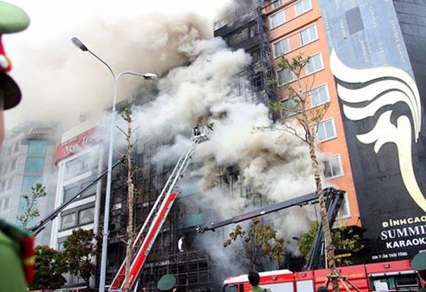 Vụ hỏa hoạn cháy nổ ở quán karaoke gần đây hôm 1/11